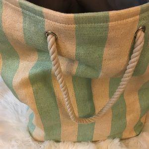Handbags - HUGE BEACH BAG!! 🏖